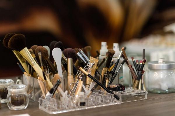 09-ioannou-cosmetics30641694-C415-62D9-2371-442ECCFABB86.jpg